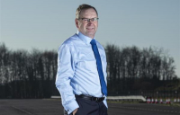 Jim O'Sullivan has advised he is to stand down as chief executive of Highways England early next year.